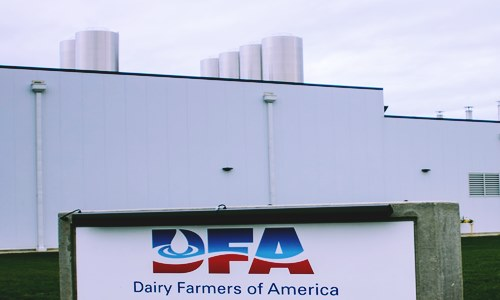 dairy farmers test blockchain technology food supply